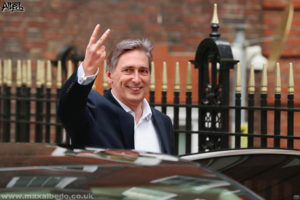 Hammond's two fingers